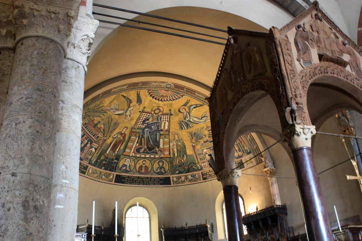 L'évêque de Milan grimpe le Duomo et demande l'intercession de la Madonnina (VIDEO)